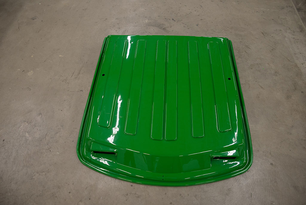 Aftermarket cab roof with ABS plastic.